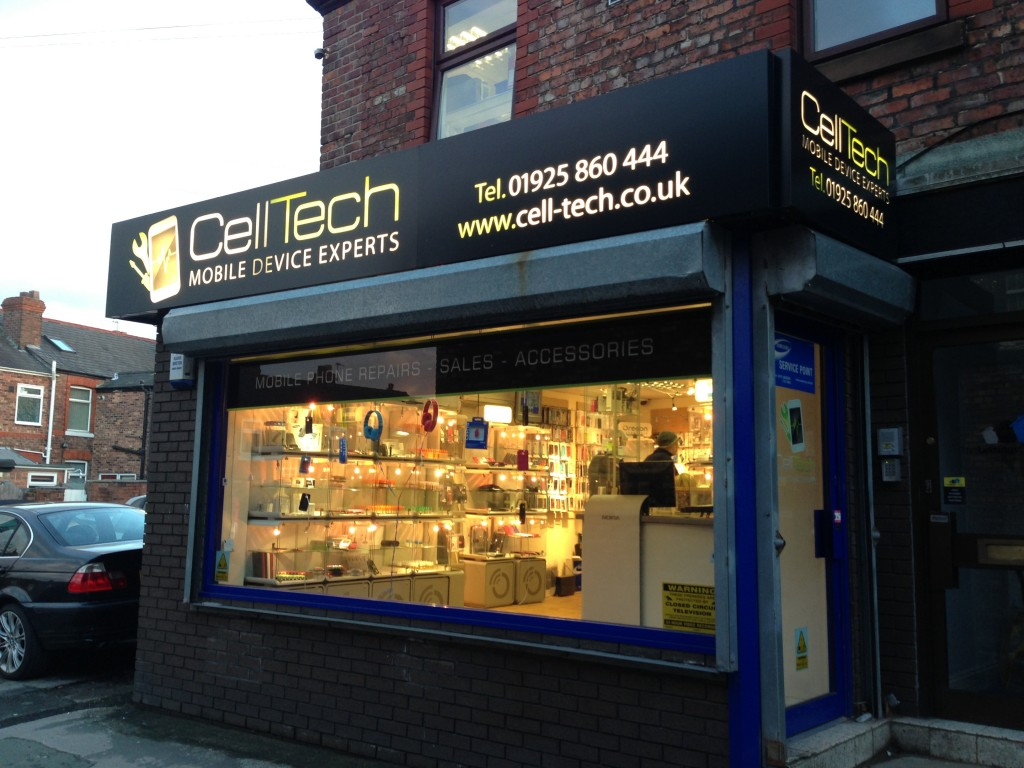 Phone repairs iphone samsung cell tech warrington for Tech house london